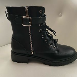 Black combat boots never worn
